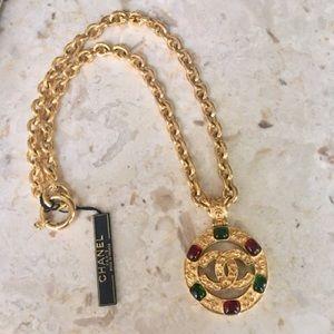 Chanel Vintage CC Gripoix Medallion Necklace